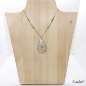 Dainty Mother of Pearl Shell Statement Necklace